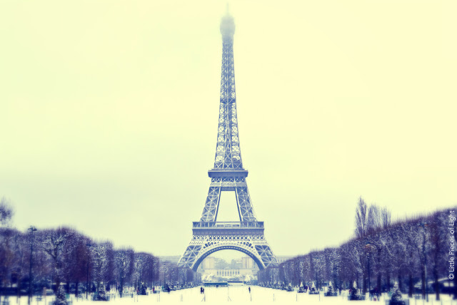 eiffel tower as snow white
