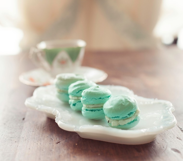 Laduree Marie Antoinette macaron
